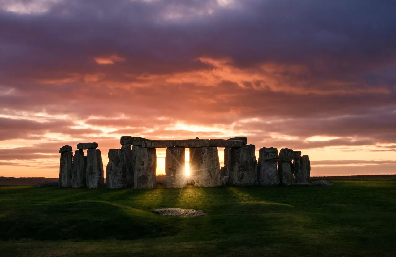 The Center of the Earths Heart Chakra: Stonehenge Energy